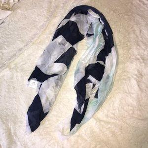 Lightweight scarf NWOT